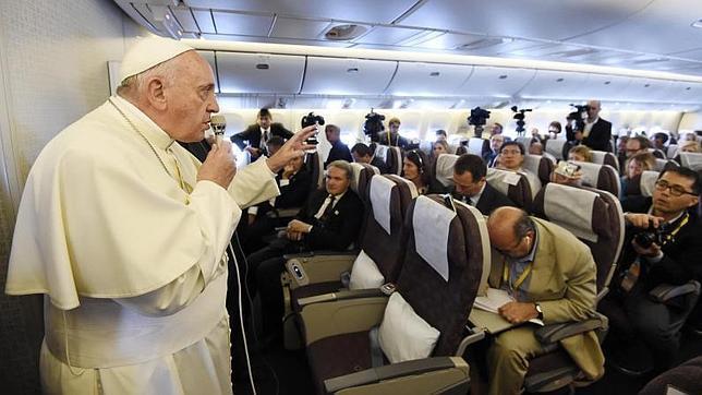 En el día de los periodistas el Papa Francisco anima a que los comunicadores rompan el círculo vicioso de las malas noticias