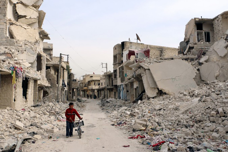 Sacerdote en Siria comparte las duras condiciones de vida tras liberación de Alepo