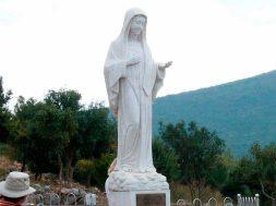 VirgenMedjugorje_WikipediaBeemwejCC_BY_SA_30_280217