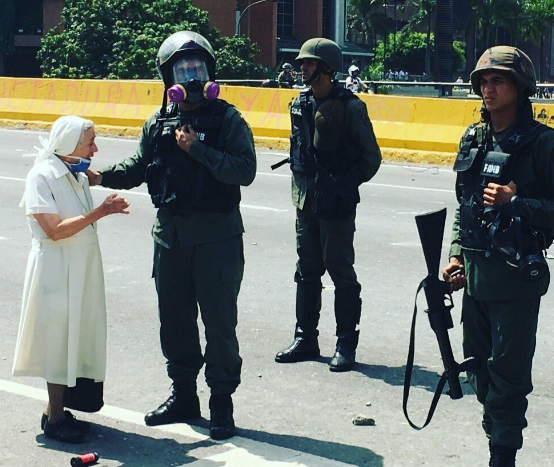 La historia real de Sor Esperanza, la valiente religiosa que conmueve Venezuela
