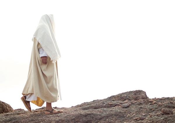 Acompañemos a Jesús en su muerte para tener parte en su Resurrección, alienta Obispo