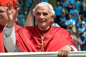 BenedictoXVI_WorldMeetingOfFamilies2012ACIPrensa_270515
