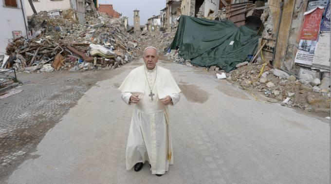 El Papa Francisco dona 50 mil euros para víctimas de terremoto en Lesbos, Grecia