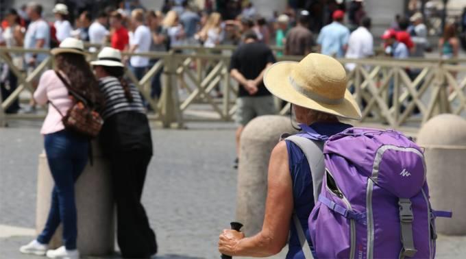 Las vacaciones no son pretexto para la irresponsabilidad, advierte el Vaticano