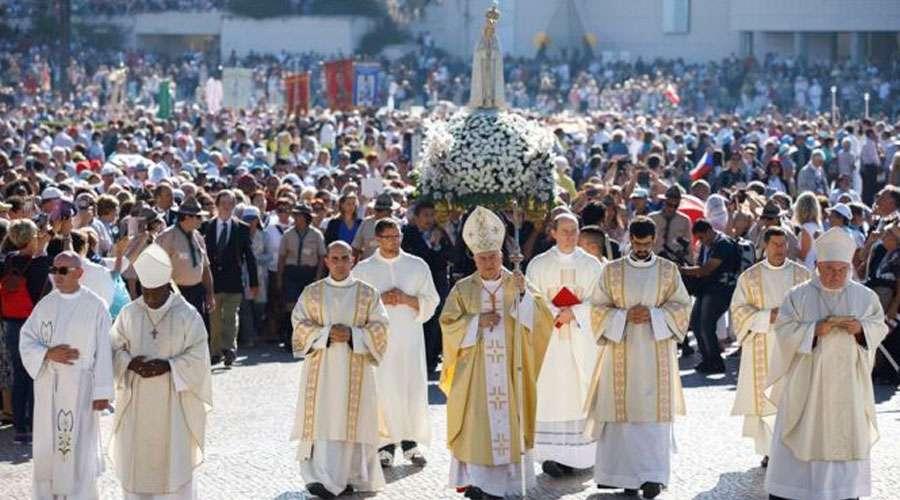 Fátima alienta a resistir el violento ataque contra la familia, afirma Cardenal