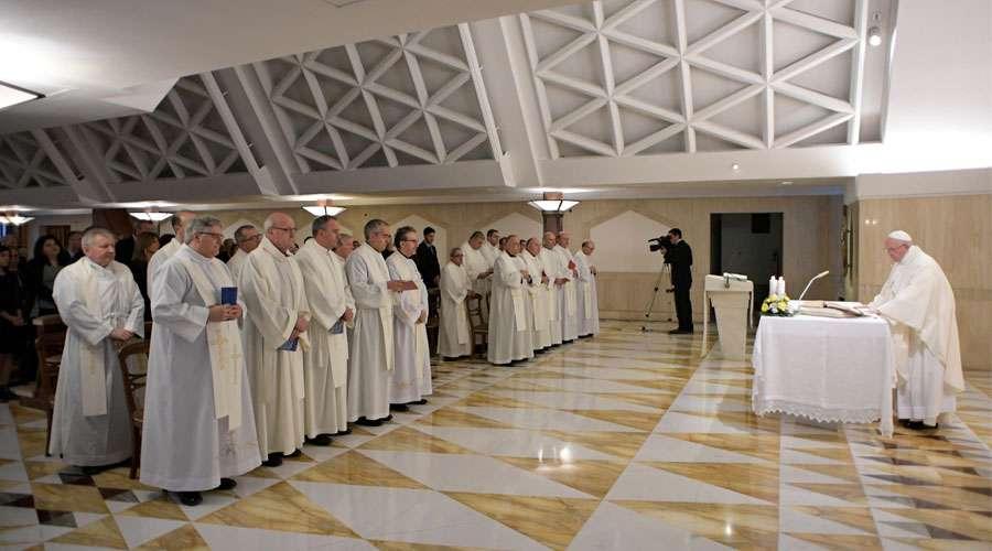 El Papa Francisco destaca la necesidad de edificar, custodiar y purificar la Iglesia