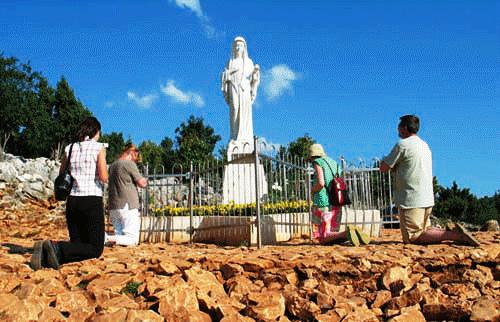 ¡Ha sido autorizado el culto oficial en Medjugorje! Habla el enviado del Papa