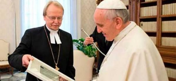 """Papa Francisco: """"Católicos y luteranos no pueden permitirse ser rivales"""""""