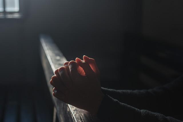 ¿Te sientes deprimido o triste? Reza esta oración del Padre Pío