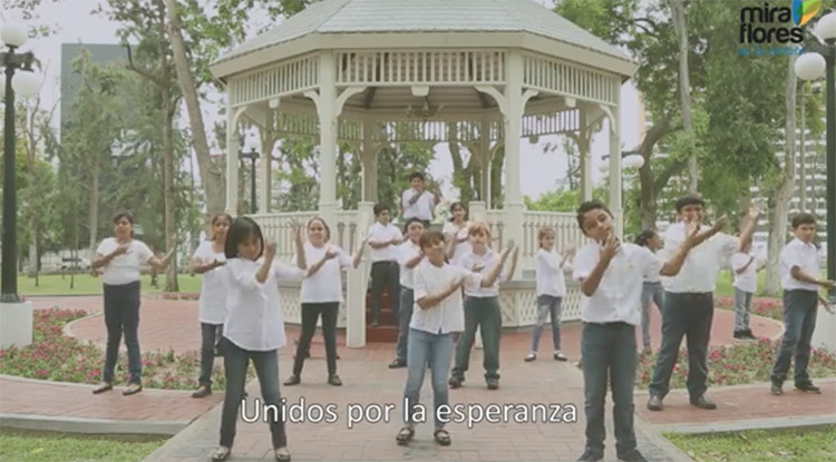 El Papa en Perú: Niños interpretan con lenguaje de señas himno en su honor