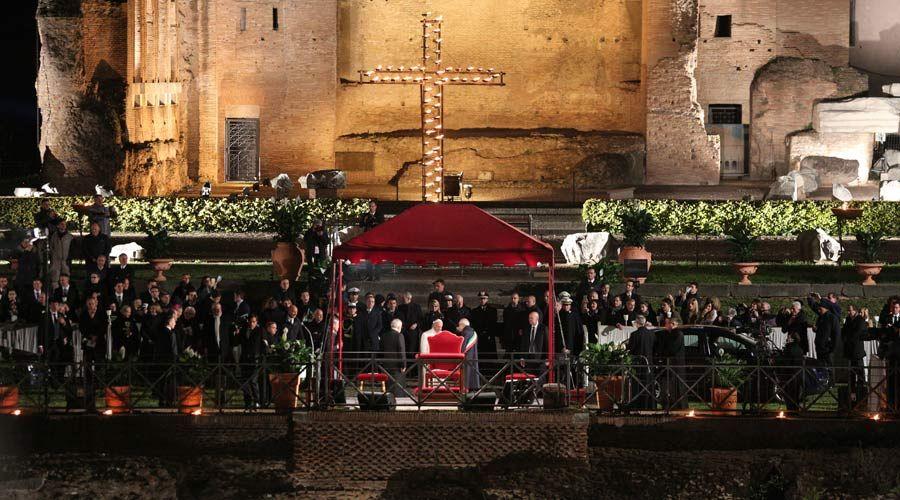 Vaticano anuncia quiénes escribirán las meditaciones del Vía Crucis 2018