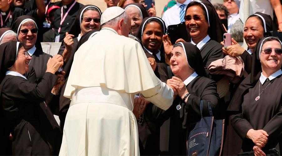 Estas son las 7 tentaciones que todo consagrado debe vencer, según el Papa Francisco