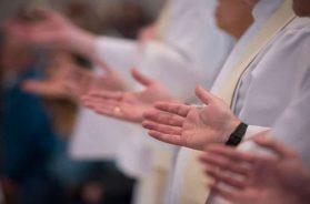 sacerdotes