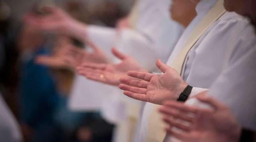 """Lanzan en Colombia campaña """"Un millón de Rosarios"""" por las vocaciones sacerdotales"""