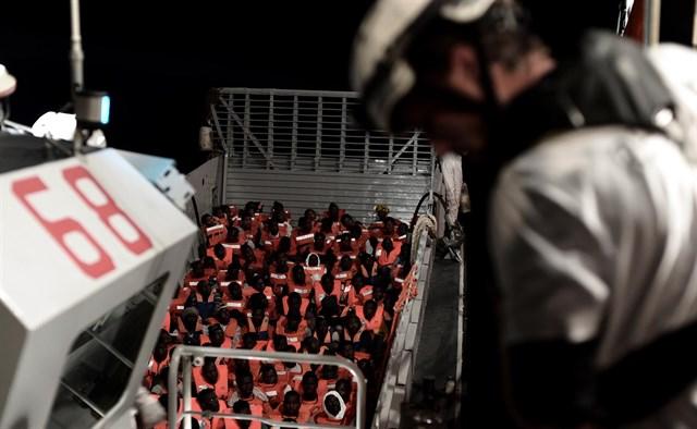 Barco Aquarius llega a España: Debe ser el principio del fin contra la esclavitud