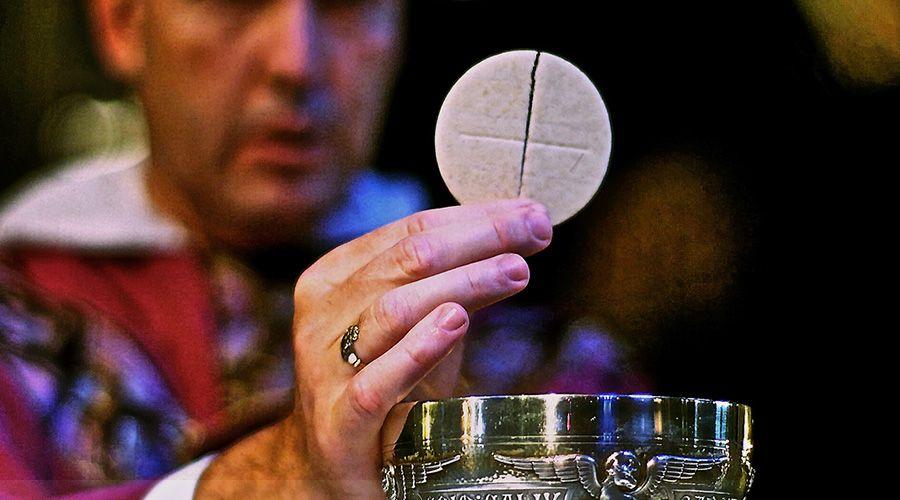 10 consejos de los santos para amar la Eucaristía