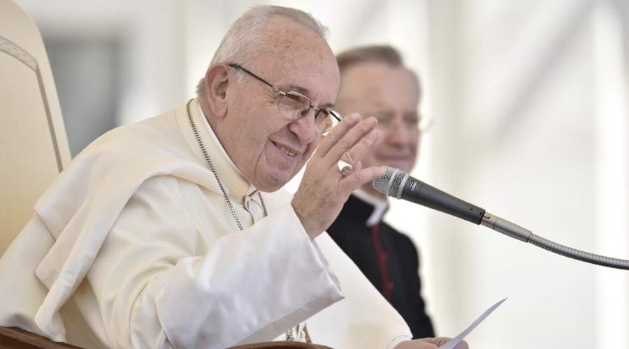 """El Papa lamenta la """"ofuscación progresiva de la fe"""" y pide no resignarse a ella"""