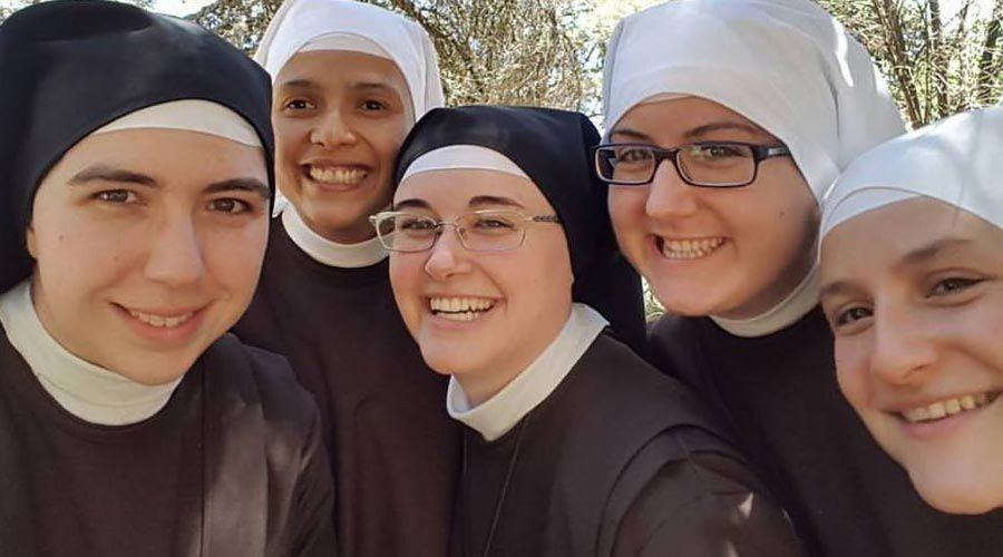 Crece el número de católicos en el mundo y disminuye el de vocaciones