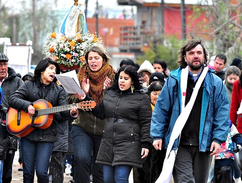 Potente discurso del padre Pepe di Paola contra el genocidio del aborto: cita figuras de izquierdas