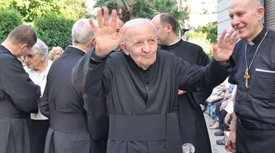 Fundador de Radio María cumple 65 años de sacerdote y cuenta cómo nace su amor a la Virgen