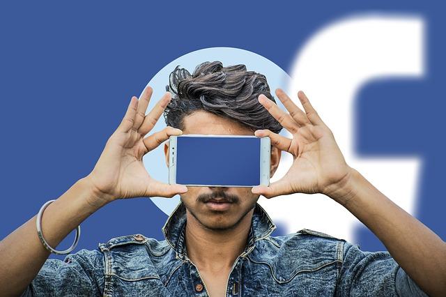 """Conoce los 3 peligros de ser un """"hipócrita digital"""""""