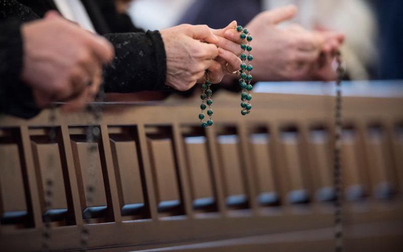 Católicos de los EE.UU: Recitarán el rosario por el país