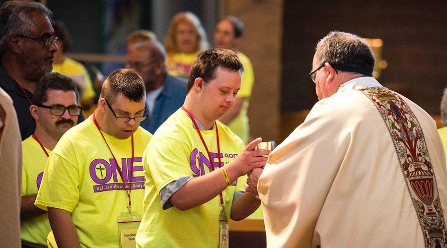 ¿Cómo las parroquias pueden ser más acogedoras para las personas con discapacidad?