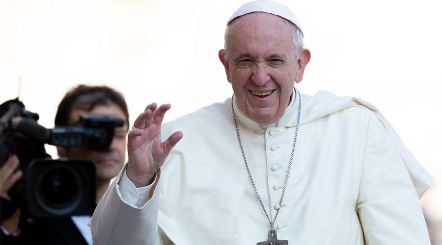 """El Papa Francisco denuncia la """"moda"""" del divorcio, y alienta la unidad familiar"""