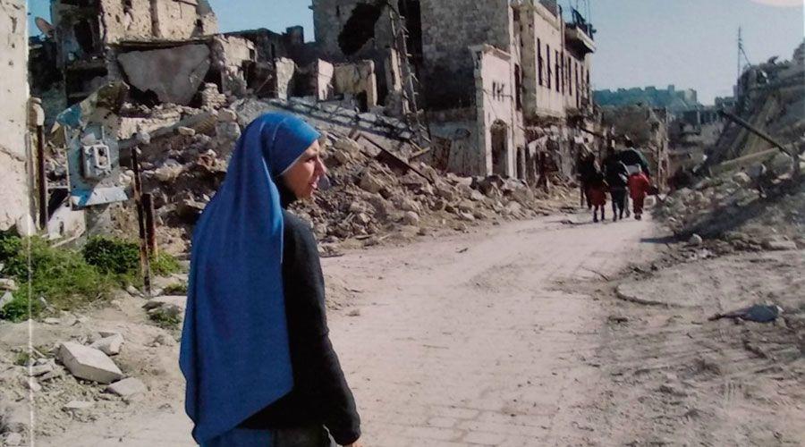 Religiosa publica libro sobre sus experiencias de fe en Medio Oriente