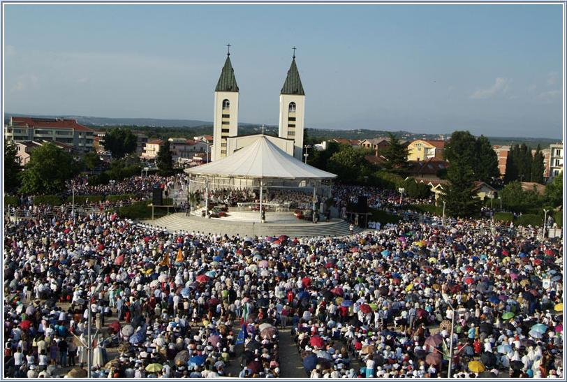 """El Vaticano prepara el """"plan Medjugorje"""": más misas, sacerdotes y estructuras para los fieles"""