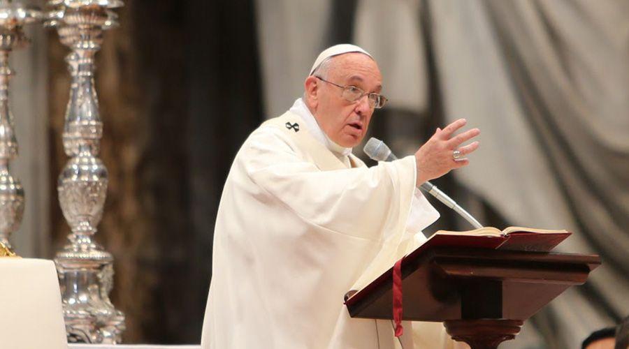 Papa Francisco alerta que hay vientos violentos que golpean a la Iglesia