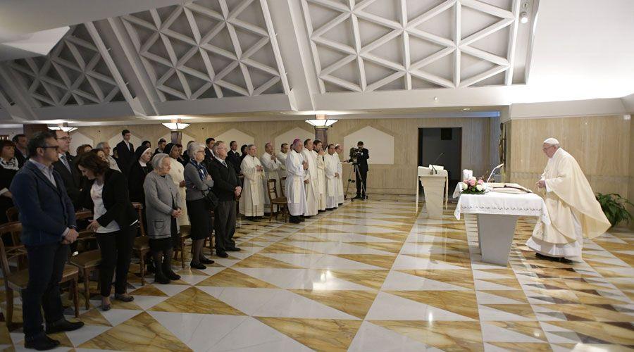 Este es el compañero que, según el Papa, te ayudará a avanzar en el camino de la salvación