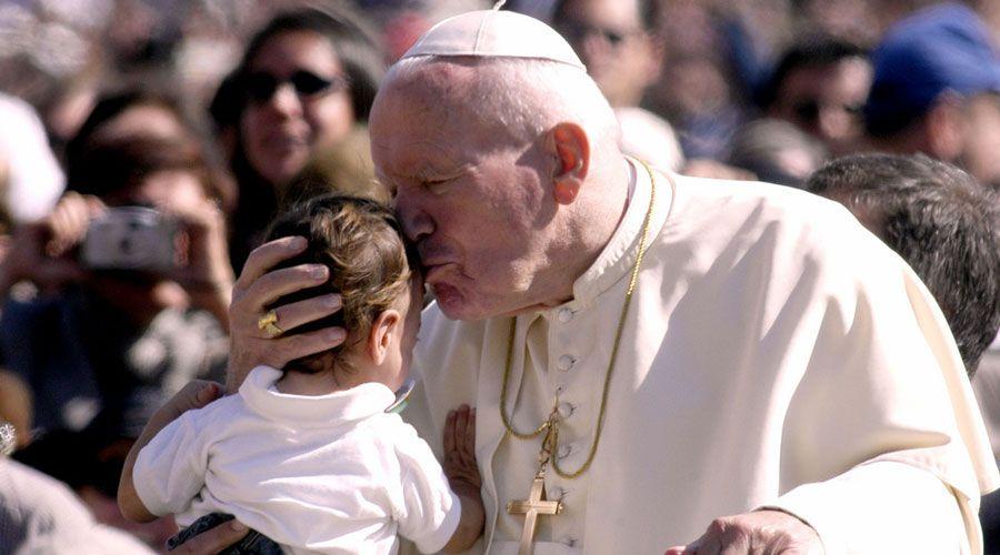 Papa Francisco: San Juan Pablo II dejó una huella imborrable en la Iglesia y la sociedad