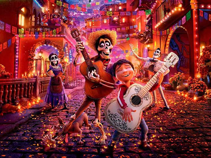 """Por el Día de los Muertos, """"Coco"""" vuelve a cines de México: ¿Vale la pena verla?"""