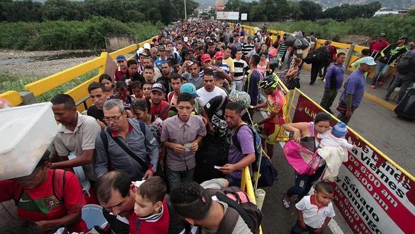 """En Venezuela se vive un """"vía crucis diario en busca de comida"""", asegura Obispo"""