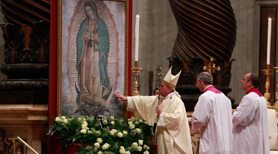 Resultado de imagen de papa francisco virgen