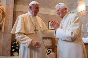 PapaFrancisco_Benedicto_VaticanMedia_Navidad2017-17112018