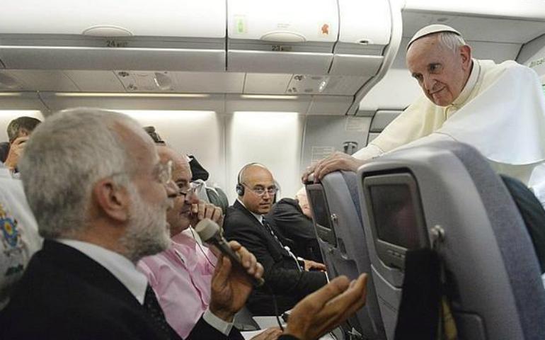 El Papa Francisco alienta a hacer un periodismo de personas para personas