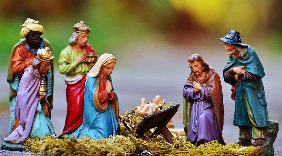 Así evitó una niña de 10 años que su maestra quitara nombre de Jesús de canción de Navidad