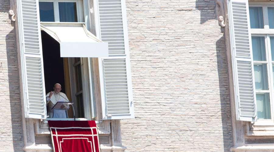 """El Papa pide corregir los """"baches"""" de la vida para preparar la venida del Señor"""