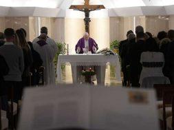 PapaFranciscoCasaSantaMarta_VaticanMedia_10122018