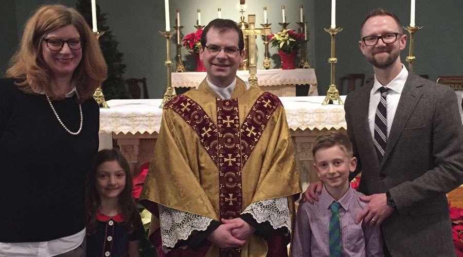 Era pastor episcopaliano y se convirtió en católico el día de María Madre de Dios