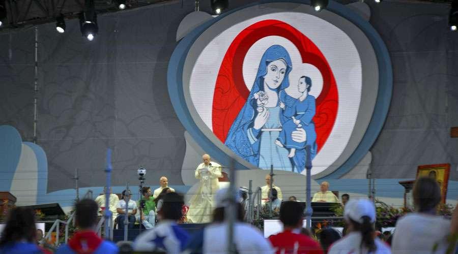 """María es la mujer fuerte del """"sí"""" que da esperanza, dice el Papa en Vía Crucis de JMJ 2019"""