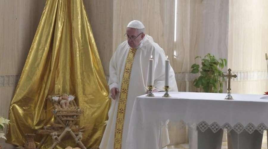 El Papa afirma que el reto del cristiano es vivir los mandamientos de forma concreta
