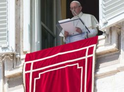 PapaFranciscoAngelus_VaticanMedia_17022019