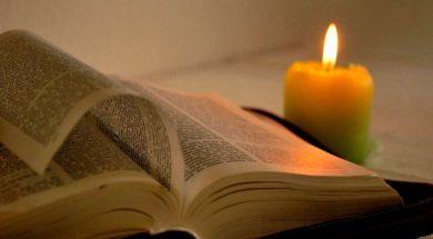 Biblia_Vela-pixabay300319