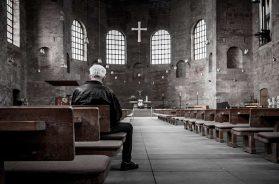 Iglesia-con-pocos-fieles-Pixabay-21-03-19