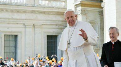 PapaFranciscoPzaSanPedro_VaticanMedia_25032019