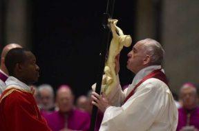 PapaFranciscoViernesSanto2018_VaticanMedia