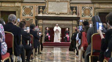 PapaFederacionBiblica26abril2019_VaticanMedia (1)